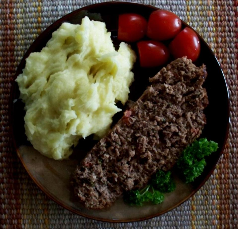 meatloaf-on-plate